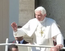Noisy world is enemy of prayer, says Pope Benedict