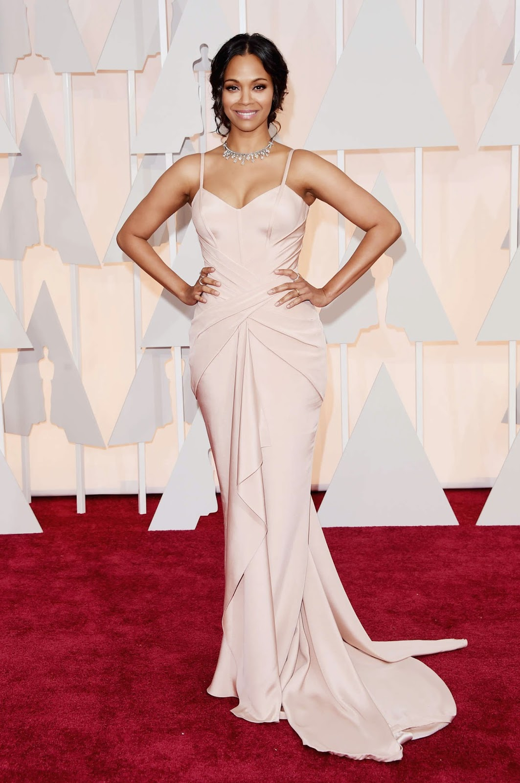 Zoe Saldana flaunts curves in Atelier Versace at the 2015 Oscars in Hollywood