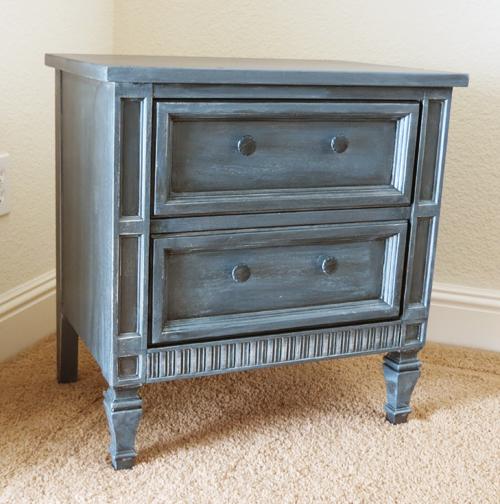 Initiales gg avant apr s une table de chevet aspect zinc for Peinture effet zinc