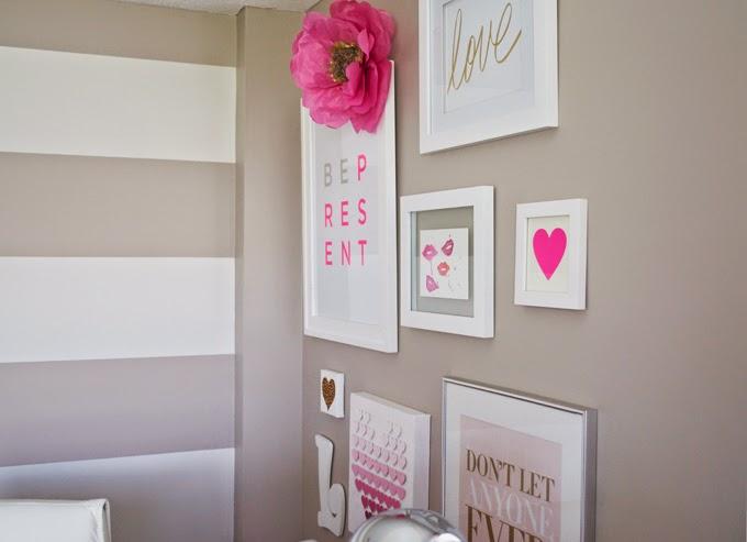 gold-love-pink-lips-print