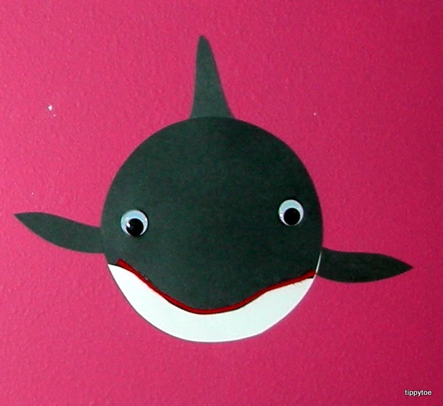 Tippytoe crafts killer whales for Whale crafts for kids