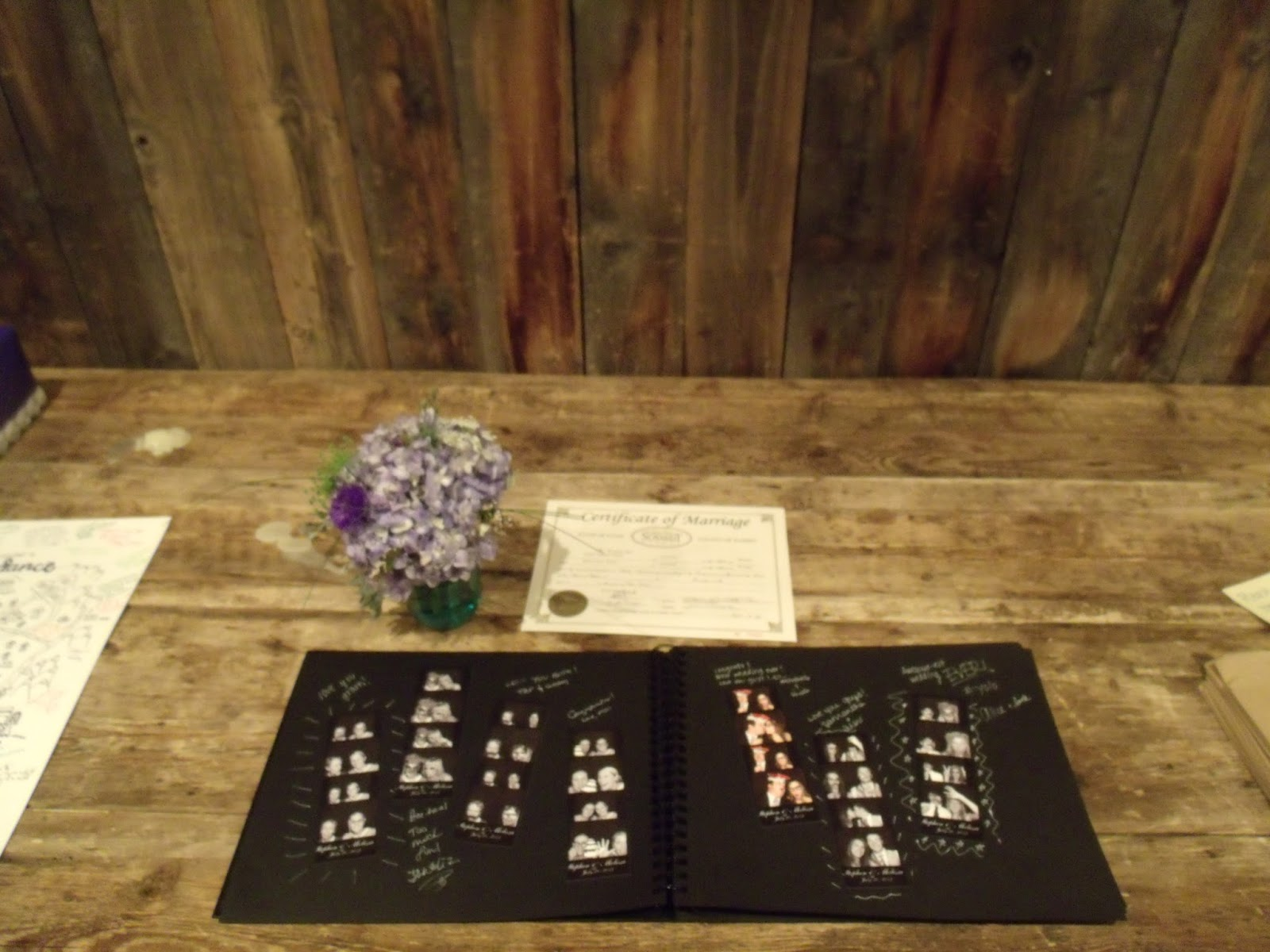 Scrapbook ideas and tips - 10 Tips For An Amazing Photo Booth Scrapbook