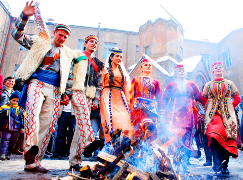 http://1.bp.blogspot.com/-H7ut6GO8Q5c/VY83kLs0tEI/AAAAAAAAA7s/VZu0FPWRxOM/s1600/Armenians.jpg