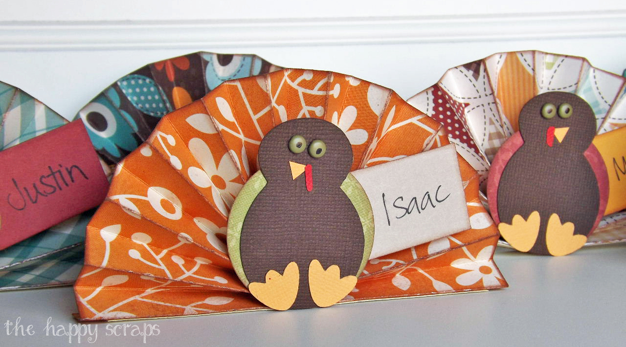 These Thanksgiving place cards are just part of this free printable Thanksgiving kit that includes printable invitations, envelopes, menus, baskets, labels, tags, to do lists, kids' activity sheets, napkin rings, and banners.