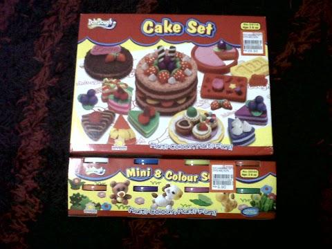 Taksub Dengan Playdoh Kek