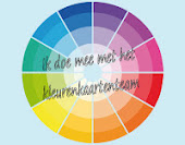 Lid van het kleurenkaarten-team