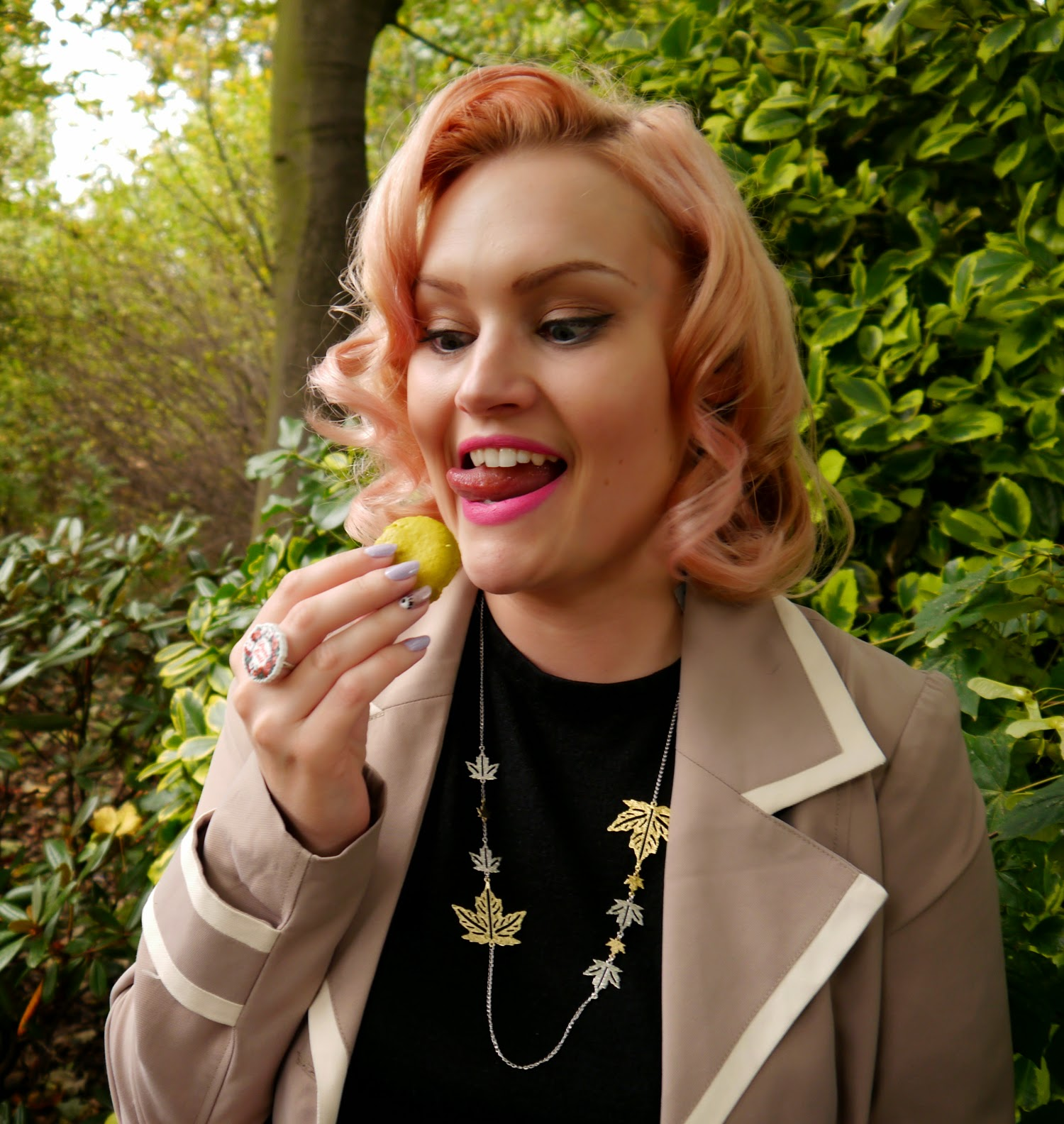 peach hair, vintage hair, pin up, pin curl, macaron, cake crazy, silly face, jewellery, Autumn style, Fall, Princes Street
