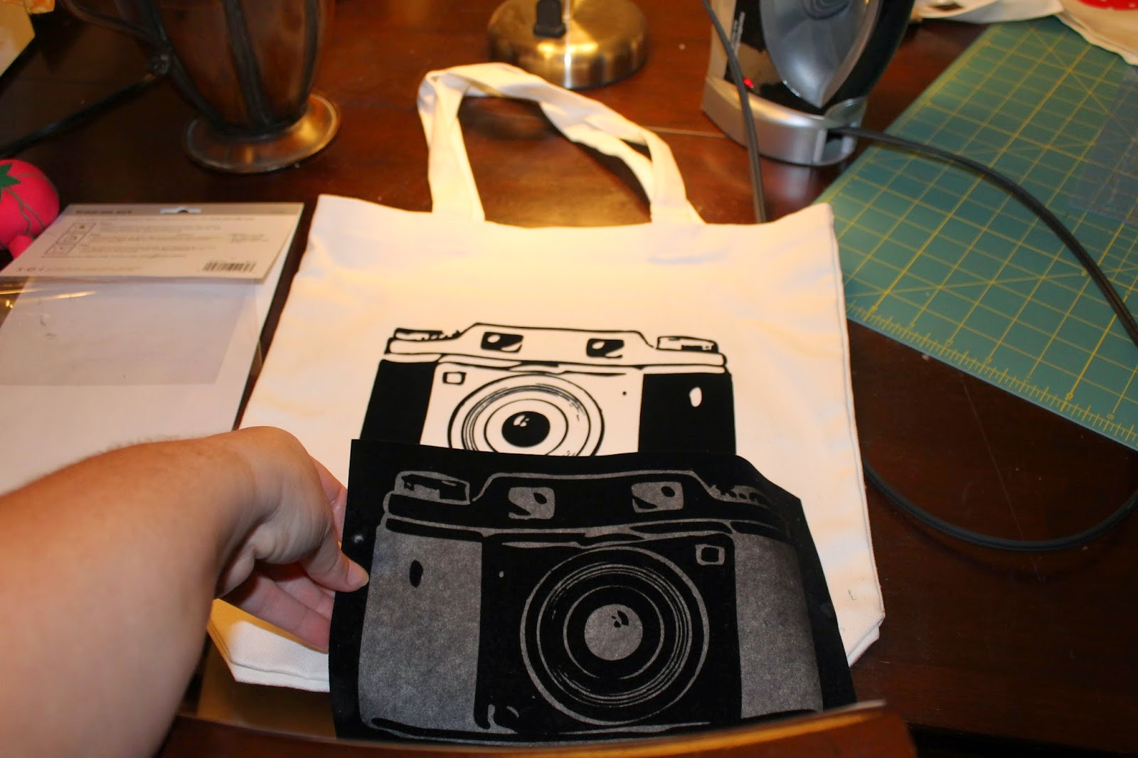 camera tote bag, graphic old school camera iron-on