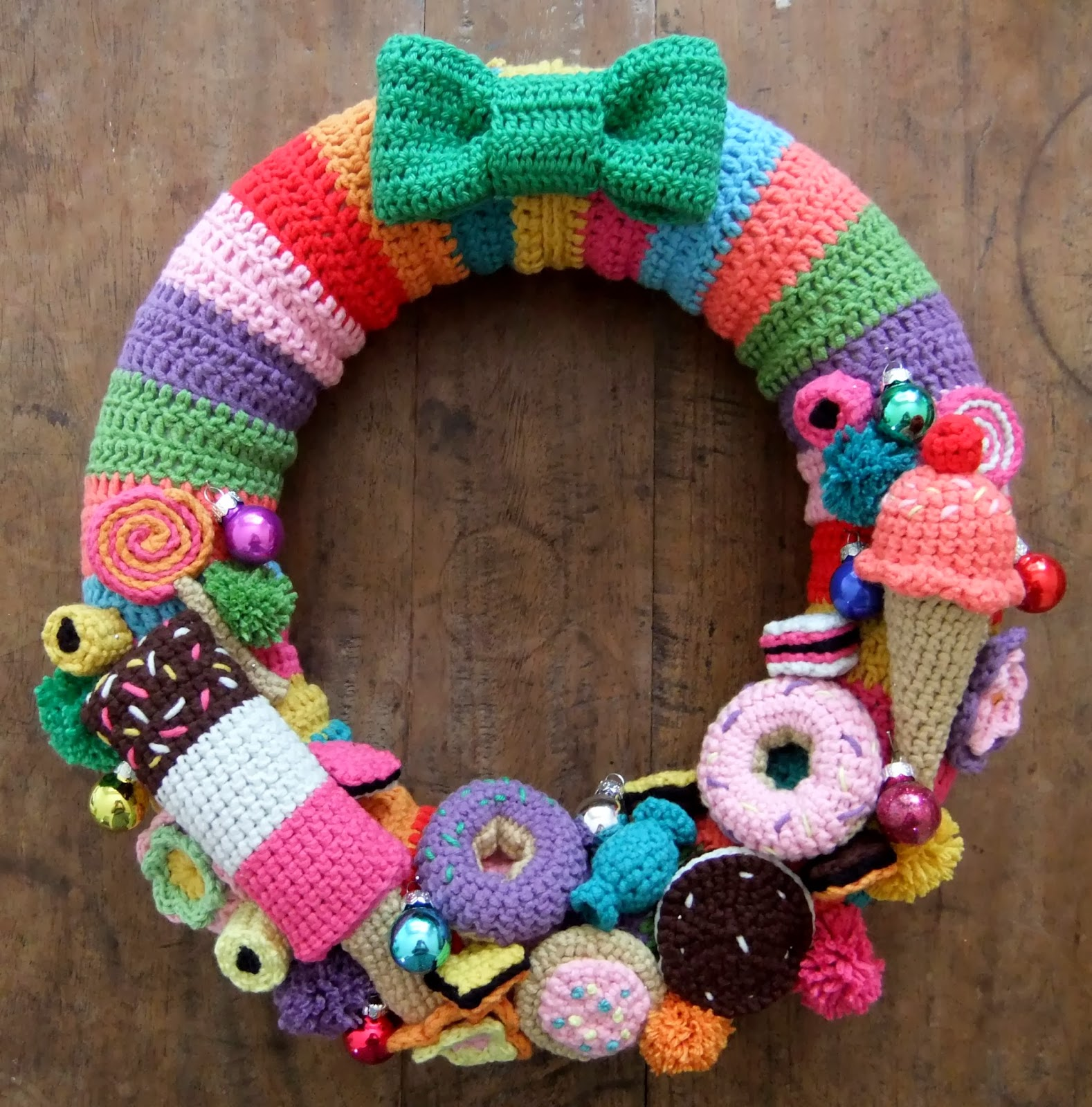 I Love Buttons By Emma: Crochet Christmas Wreath