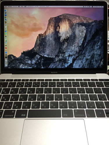 新しいMacBookのベゼルは細い