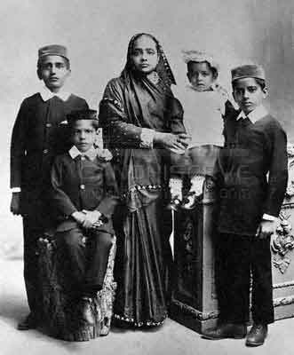 Kasturba M Gandhi with Children