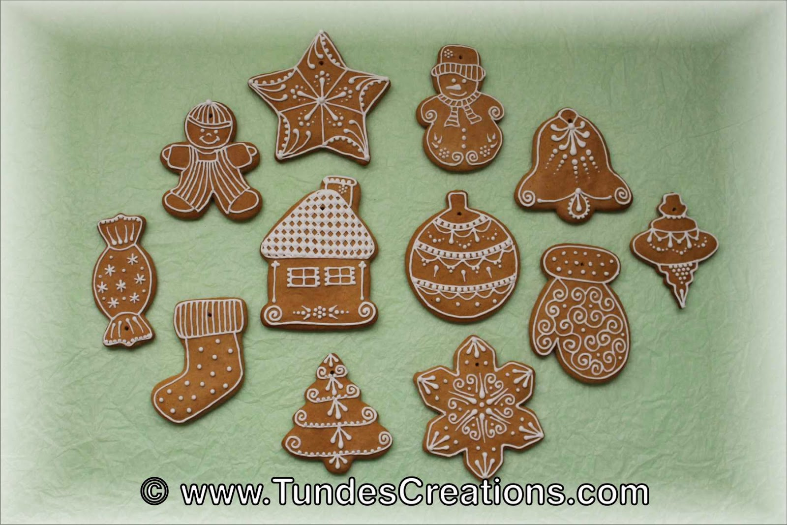 The Gingerbread Artist: Gingerbread Christmas Ornament