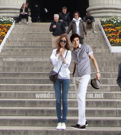 Snsd seohyun and yonghwa in paris
