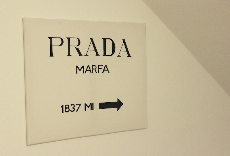 Interior DIY Prada Marfa Bild Sign Leinwand Gossip Girl