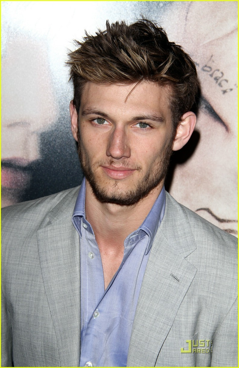 Alex Pettyfer Beastly Home Fire Alex Pettyfer 19638483 793 1222jpg