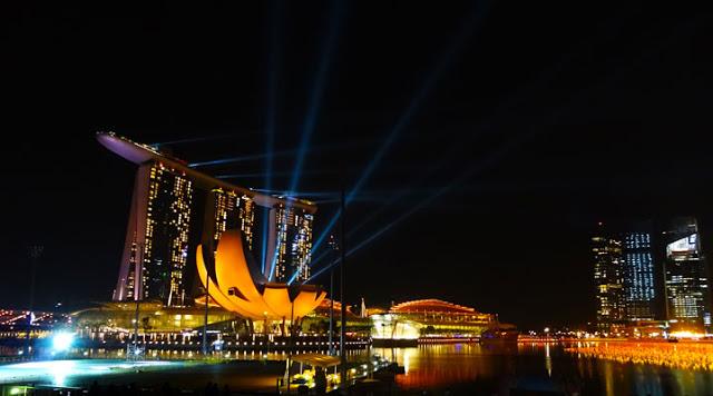 Moshe Safdie Architect, Lotus Flower ArtScience Museum, Singapore