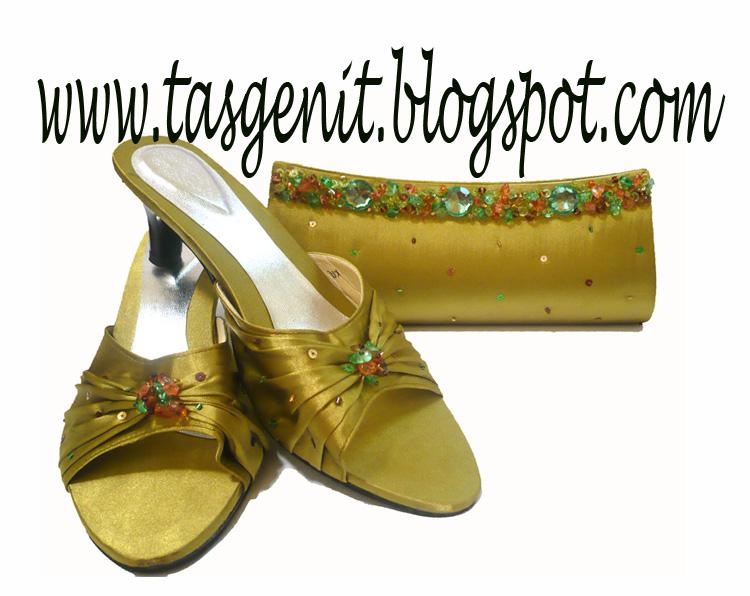 Set Matching : Tas Pesta Payet Batuan dan Sandal Pesta Payet Hijau ...