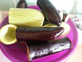 dolma, karışık dolma, kabak patlıcan, dolmalık biber, tarif, ne pişirsem, yemek tarifi, pirinçli, kıymalı, zeytinyağlı, sarma, akşama pişir, menü, kolay tarif, fırında yemek