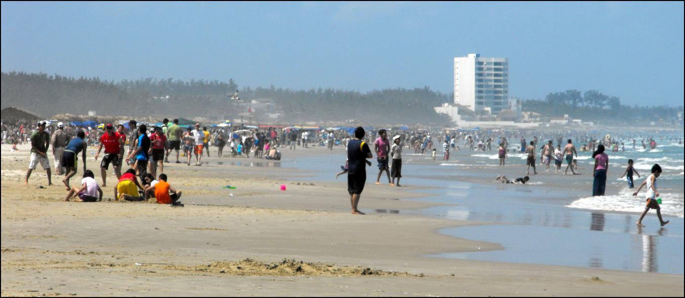 Tampico Mexico  City pictures : ... spring break que tienen lugar en la Playa Miramar de Tampico