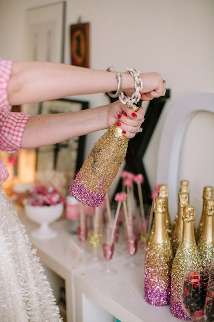 decorar-garrafas-champanhe-brilhantes-passagem-ano