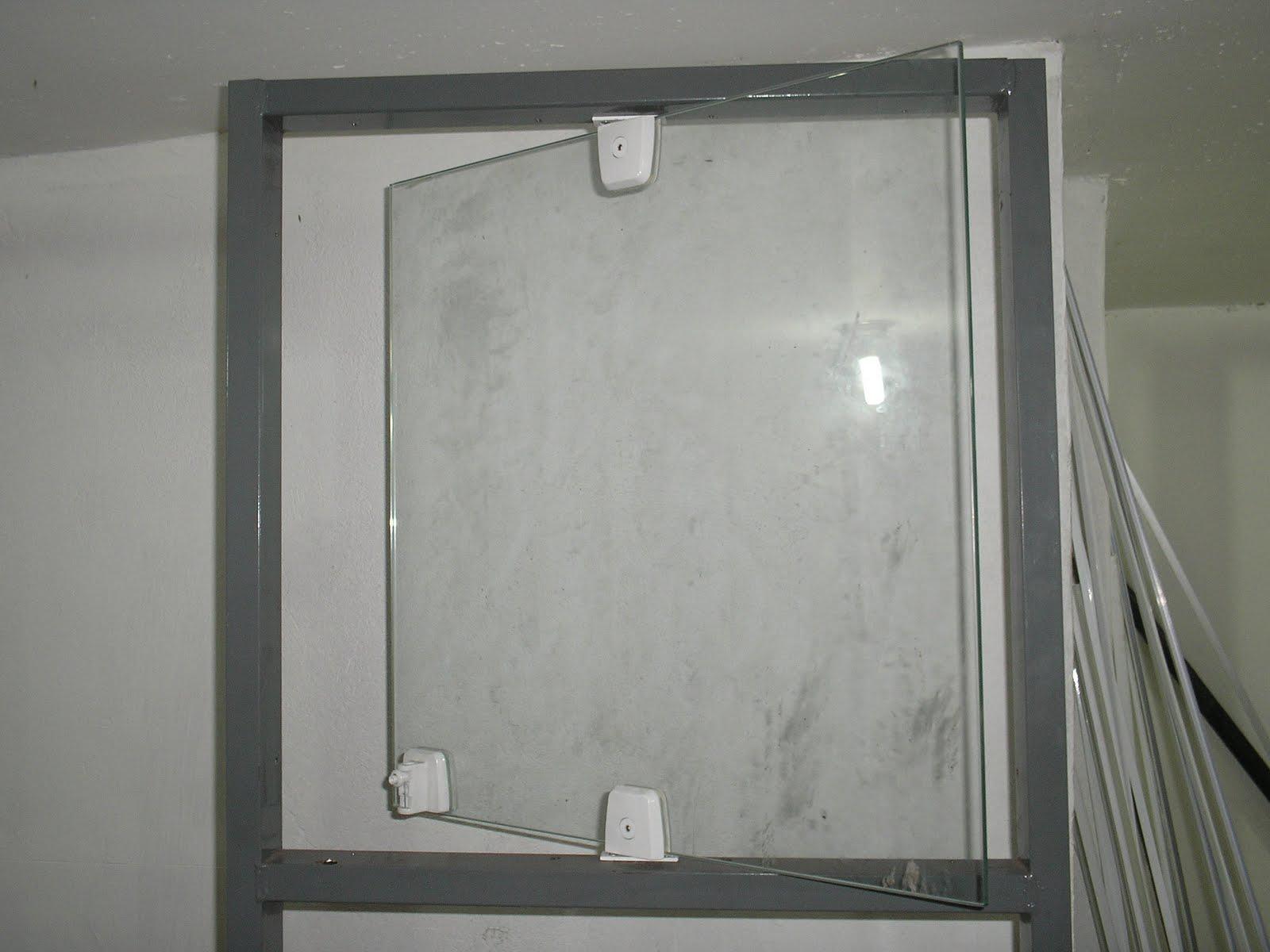 Design Aluminium: Pivotante vidro temperado #5E6051 1600 1200