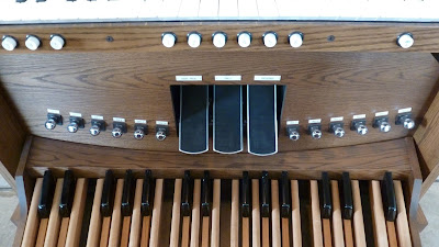 Allen AP-18 - Grafton Piano & Organ Co. - toe pistons