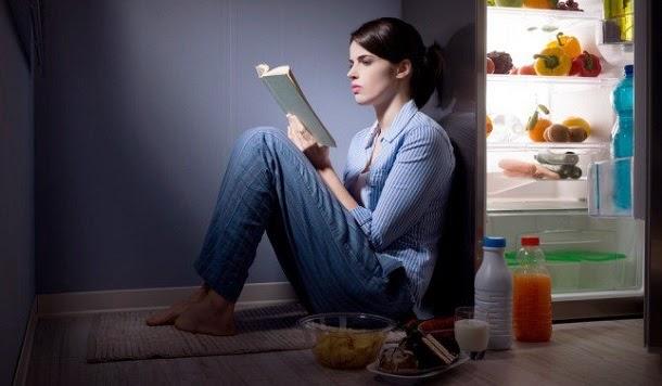 Dicas de perda de peso para quem come de noite
