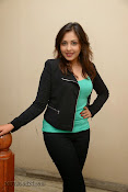 Madhu Shalini Glam pics at Citizen Audio-thumbnail-10