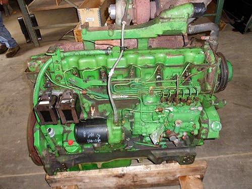 John Deere 4440 tractor engine