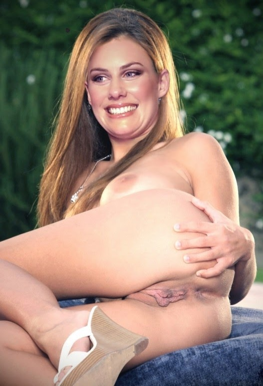 Nackt Bilder : Laura Dünnwald Nude German Journalist   nackter arsch.com