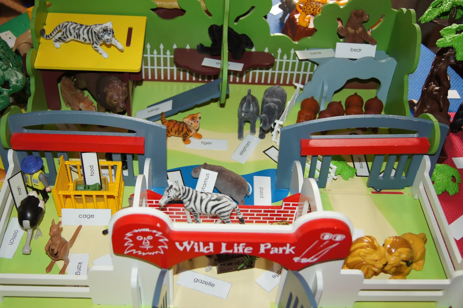 Miniature Zoo Environment for Reading and Grammar (Photo from Making Montessori Ours)