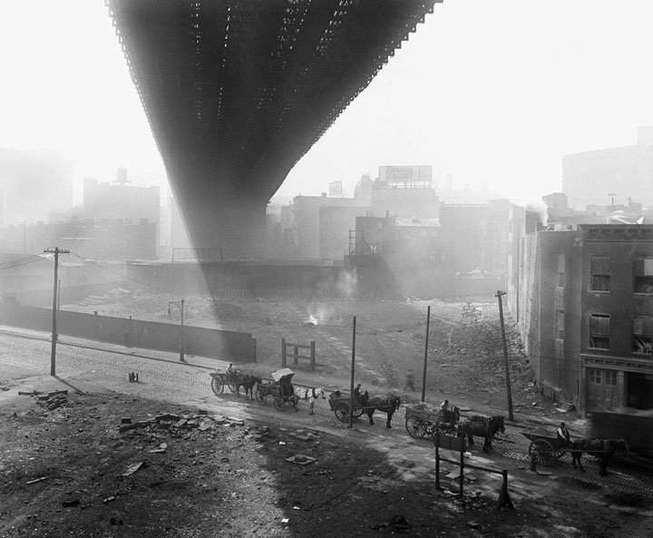 36 Amazing Historical Pictures. #9 Is Unbelievable - Shadows are cast beneath the Brooklyn Bridge, seen from a stable roof, on May 6, 1918.