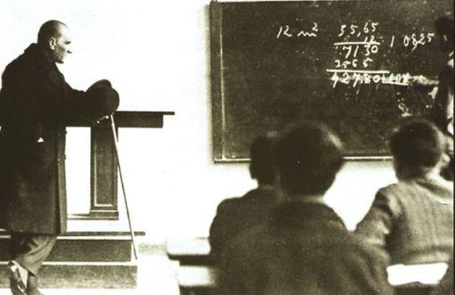 Atatürk és a matematika - Forrás: Sevimli Matematik