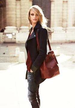 Robe, pantalon, jupe, chemise, blouse, polo ou même short peuvent être des vêtements casual à condition quils soient confortables et légers.