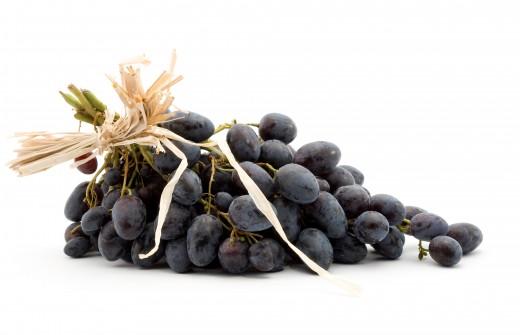 ¡NUNCA des a los perros uvas o pasas!