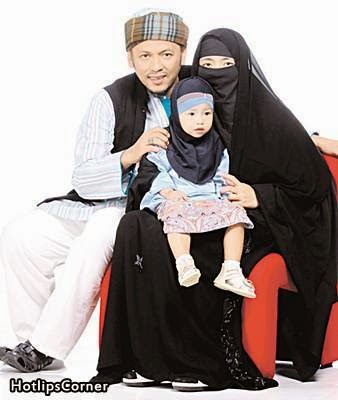 Gambar Terkini Penyanyi Dangdut Iwan Bersama Isteri Dan Anak, info, terkini, hiburan, sensasi, Iwan,