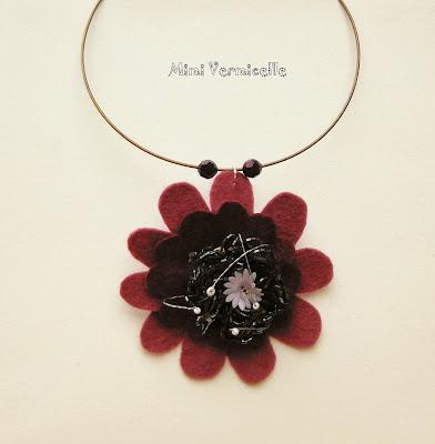 collier ras de cou femme pivoine fleur de feutrine perles de rocaille gris anthracite par severine peugniez