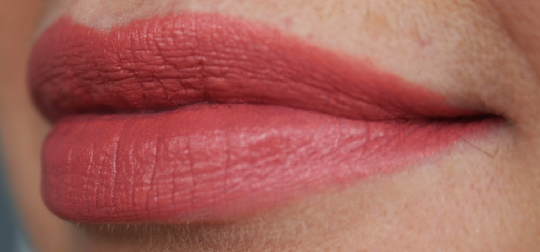 Суперстойкая губная помада эйвон фото 19 фотография