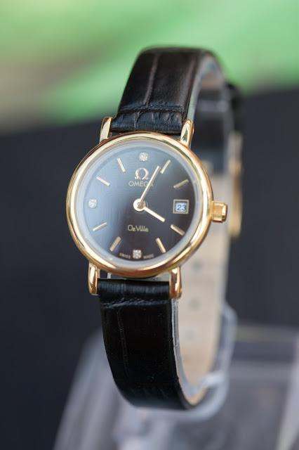Đồng hồ nữ dây da Omega