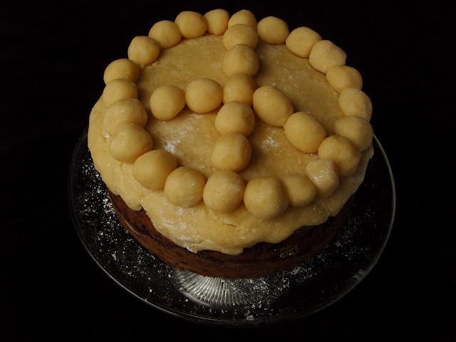 Marzipan dressed simnel peace cake