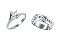 祖母と母から受け継いだリング達が新しいエンゲージリング(婚約指輪)に蘇ります。
