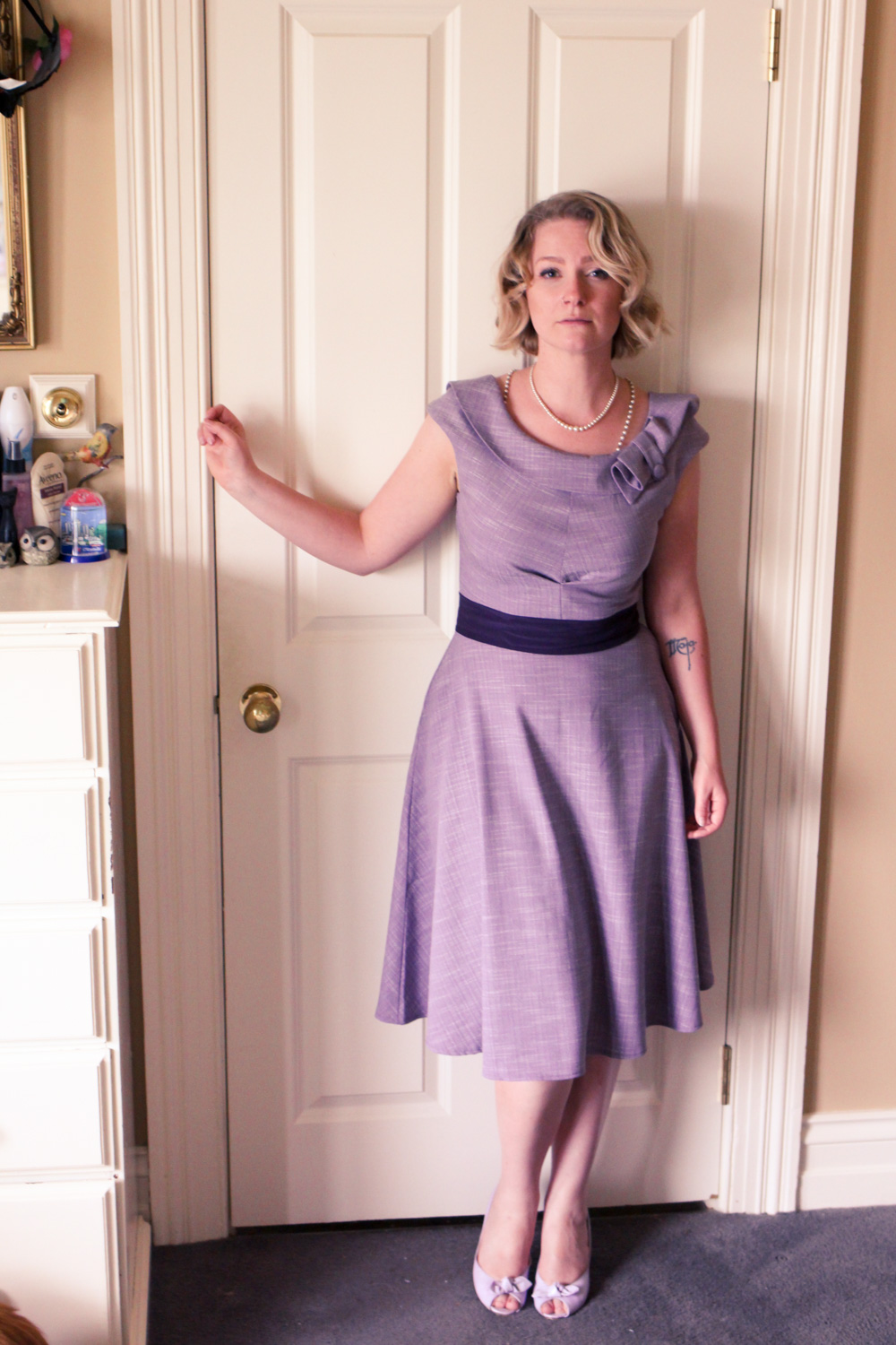 @findingfemme wears Voodoo Vixen lilac dress.