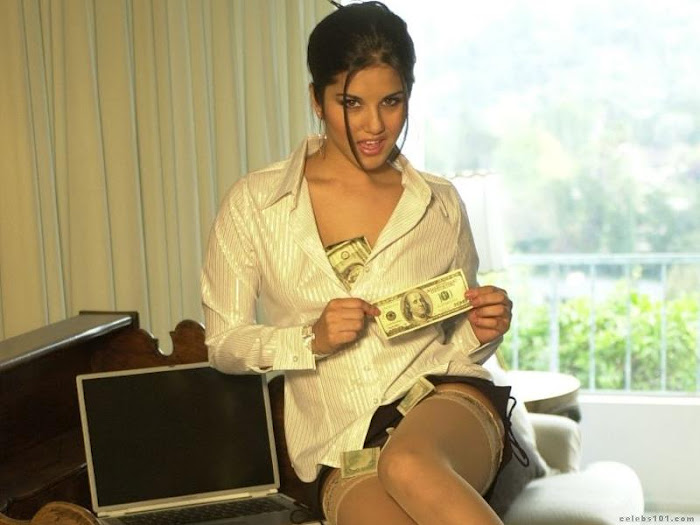 sunny leone playing with dollars in jism 2 movie - Sunny Leone jism 2 Hot Pics