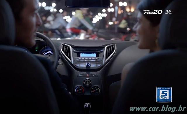 Hyundai HB 20 - por dentro