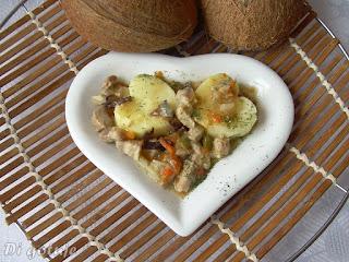 Gulasz wieprzowy z mieszanką chińską i mleczkiem kokosowym