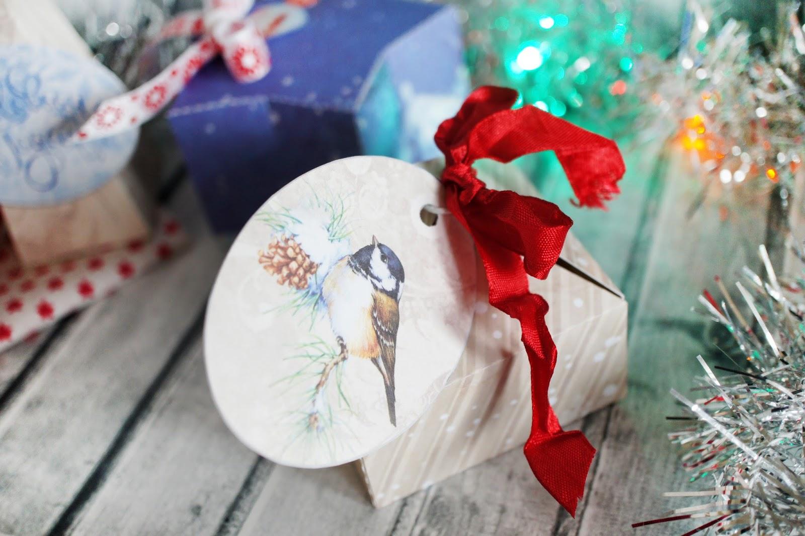 Бумага для упаковки подарков Holiday Crafts 19