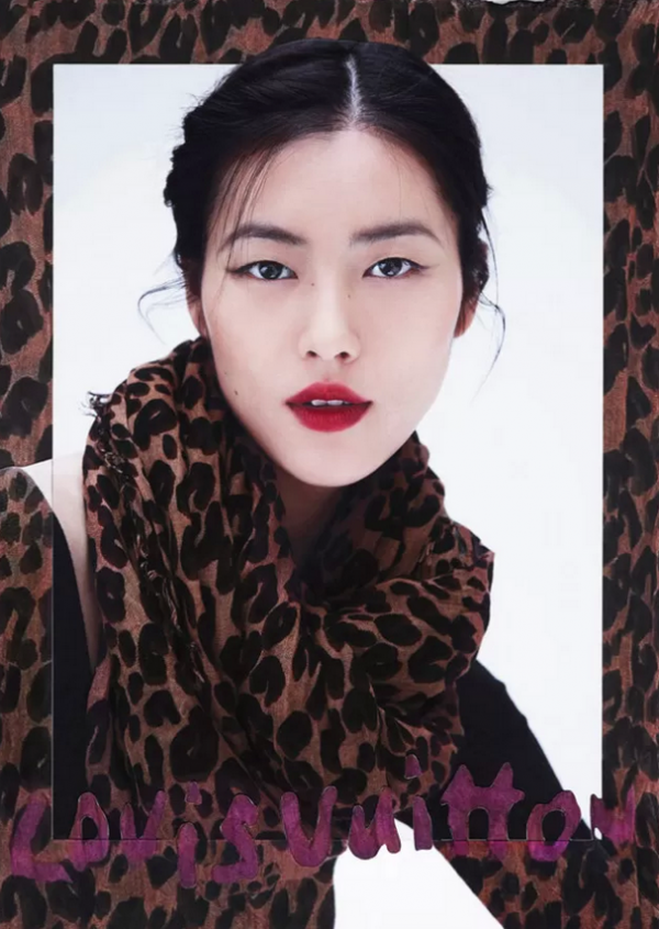 Square Scarves in Louis Vuitton Fall-Winter 2013-2014 Lookbook - 600 x 846  703kb  png