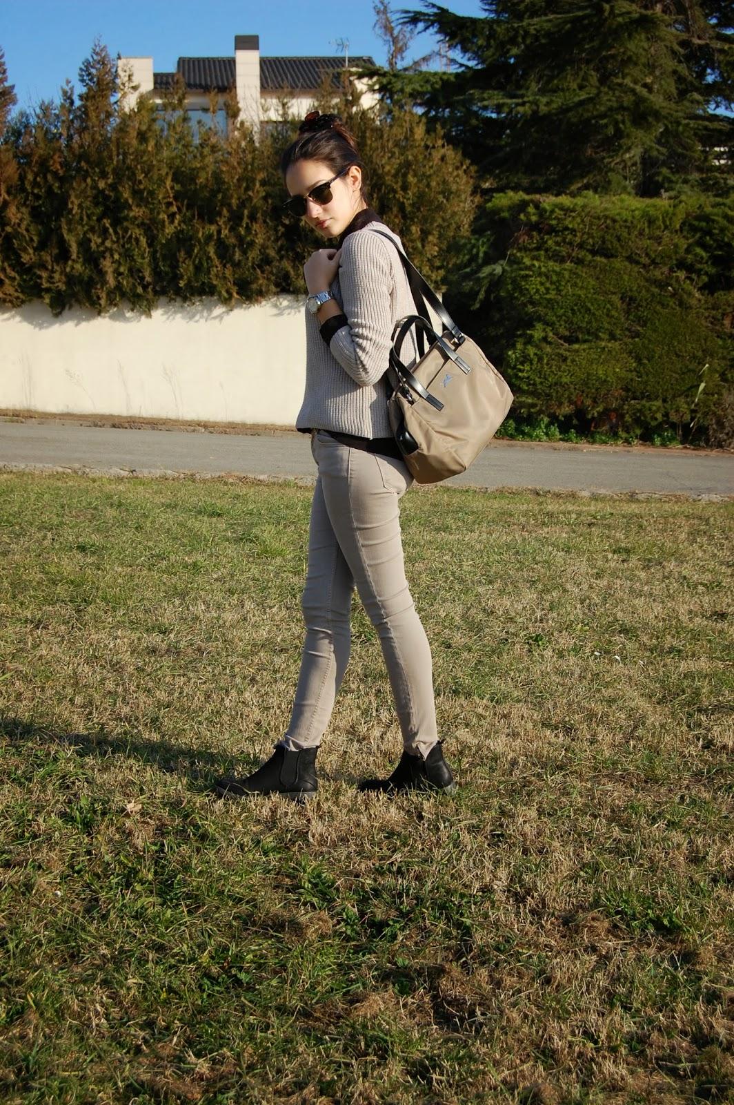 gafas ray-ban, jersey mango, pantalones zara, bolso bimba&lola, zapatos alex silva