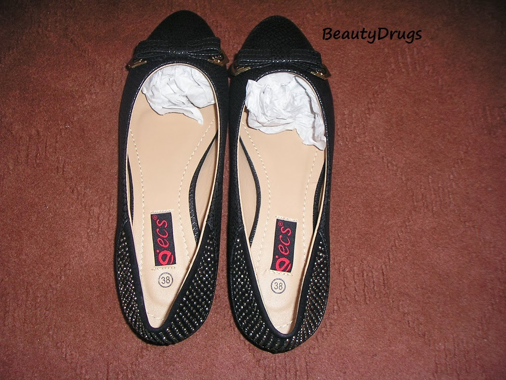 Beauty Drugs Black Flat Pumps By U0026#39;ecsu0026#39;