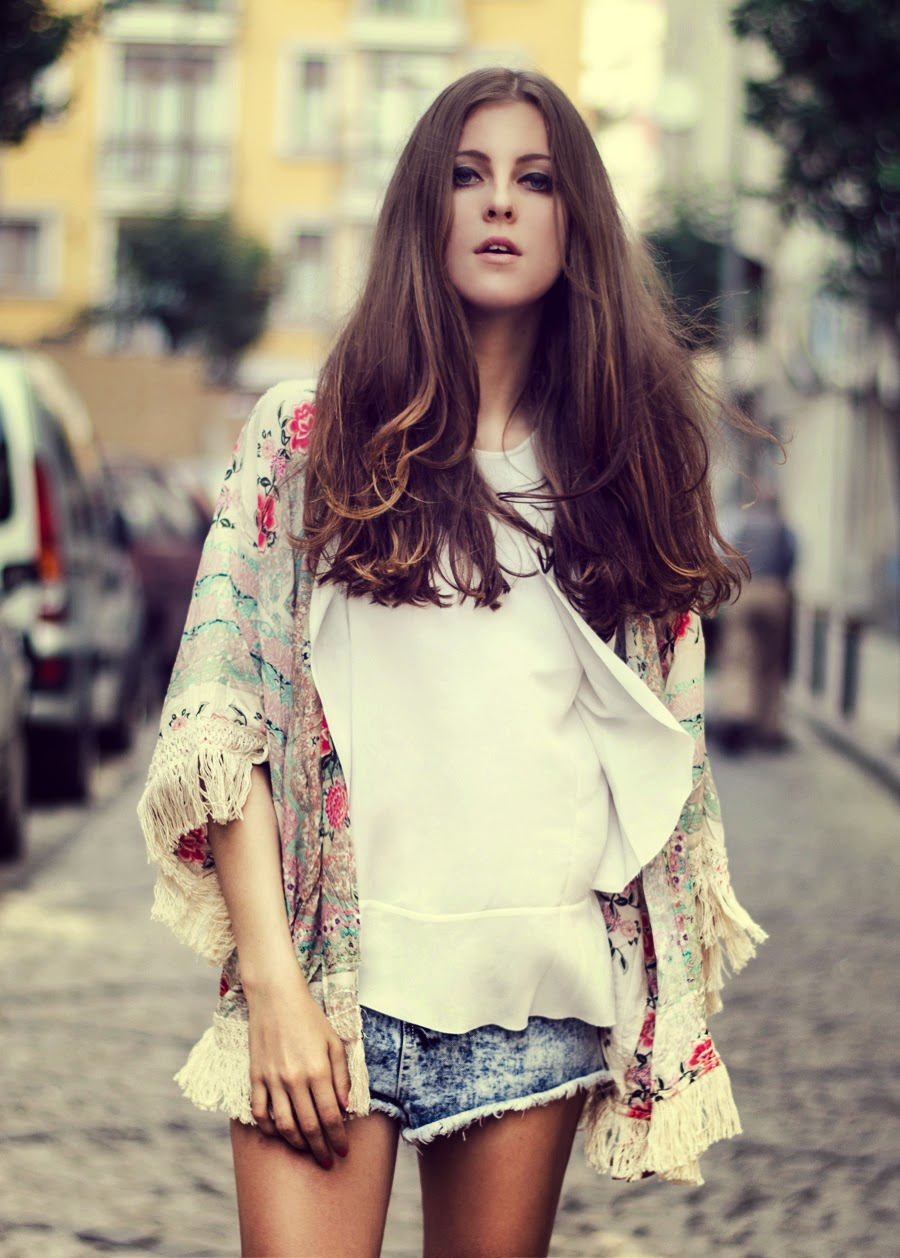 istanbul streetstyle, russian fashion blogger, kimono outfit, denim topshop look, summer long hair, fashion details, summer editorial, boho outfit